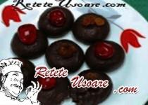 Fursecuri de ciocolata cu stafide si cirese