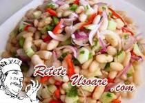Salata de fasoale boabe cu ardei si ciuperci